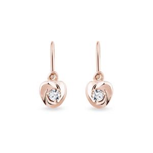 Zlaté náušnice ve tvaru srdce s diamanty KLENOTA